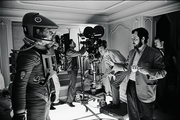 Kubrick-on-the-set-of-2001-A-Space-Odyssey
